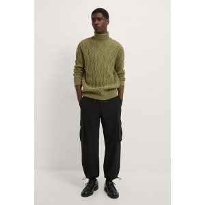 FUNNEL NECK CABLE SWEATER