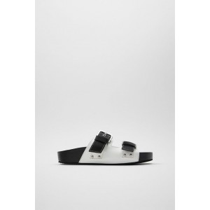 FLAT BUCKLED SANDALS