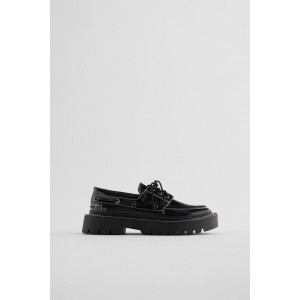 LOW HEEL TOPSTITCHED BOAT SHOES