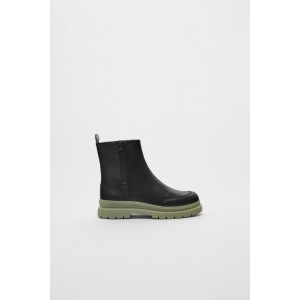 CONTRAST SOLE ANKLE BOOTS